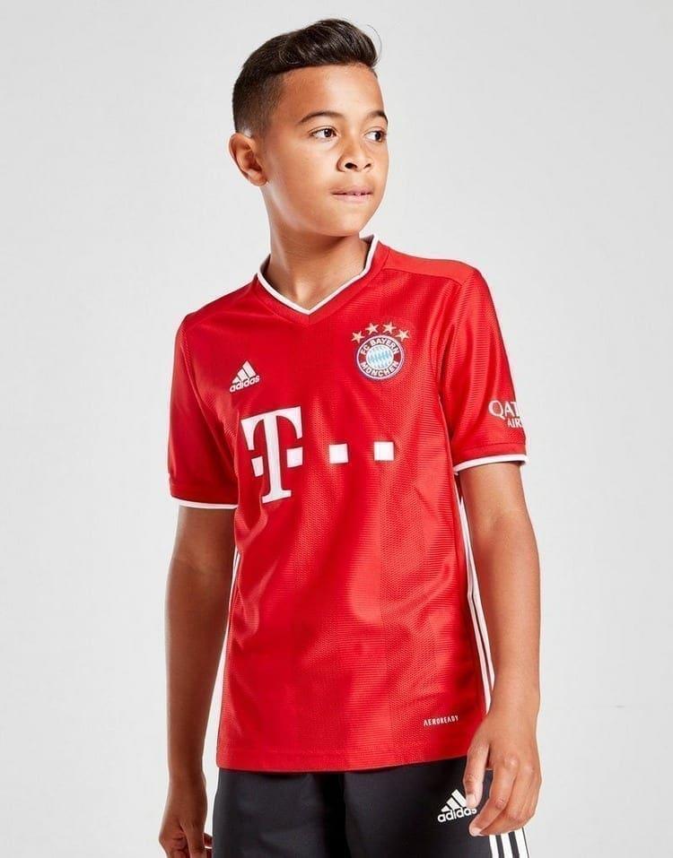 Продажа детских футбольных форм бавария