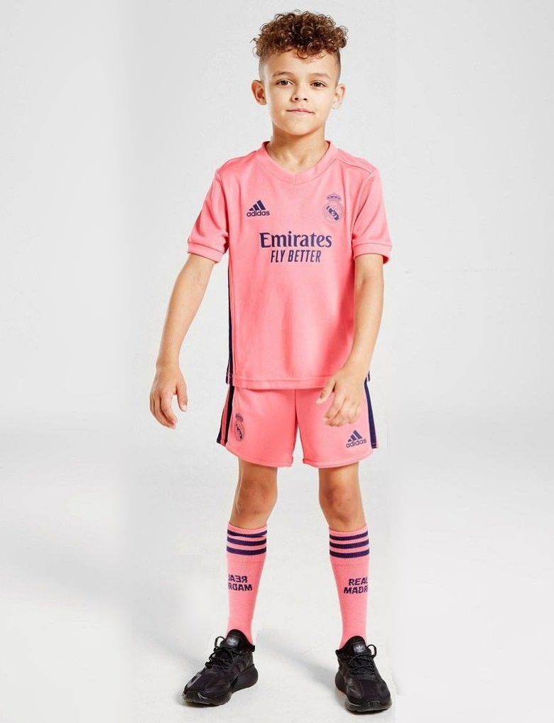 Розовая детская форма Реал Мадрид