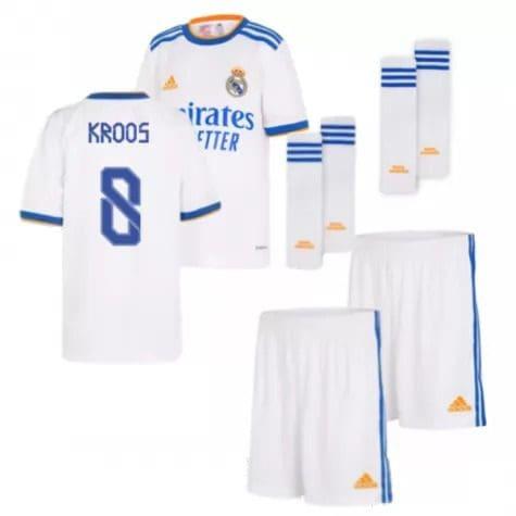 Детская форма Реал Мадрид 2021-2022 Кроос 8 с гетрами
