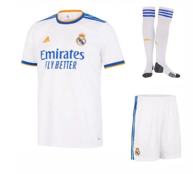 Футбольная форма Карвахаль 2 Реал Мадрид 2022 с гетрами